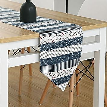 Idyllische moderne minimalistische Art-Bett-Flaggen-schöner ...
