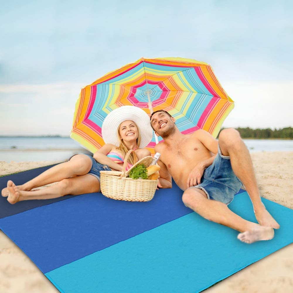 Sandfree Beach Blanket,82x79 Beach Mat for 7 Adults,Outdoor Lightweight Durable Portable Picnic Mat with 4 Stakes /& 4 Corner Pockets,Carabiner for Travel Hiking Music Festivals Camping