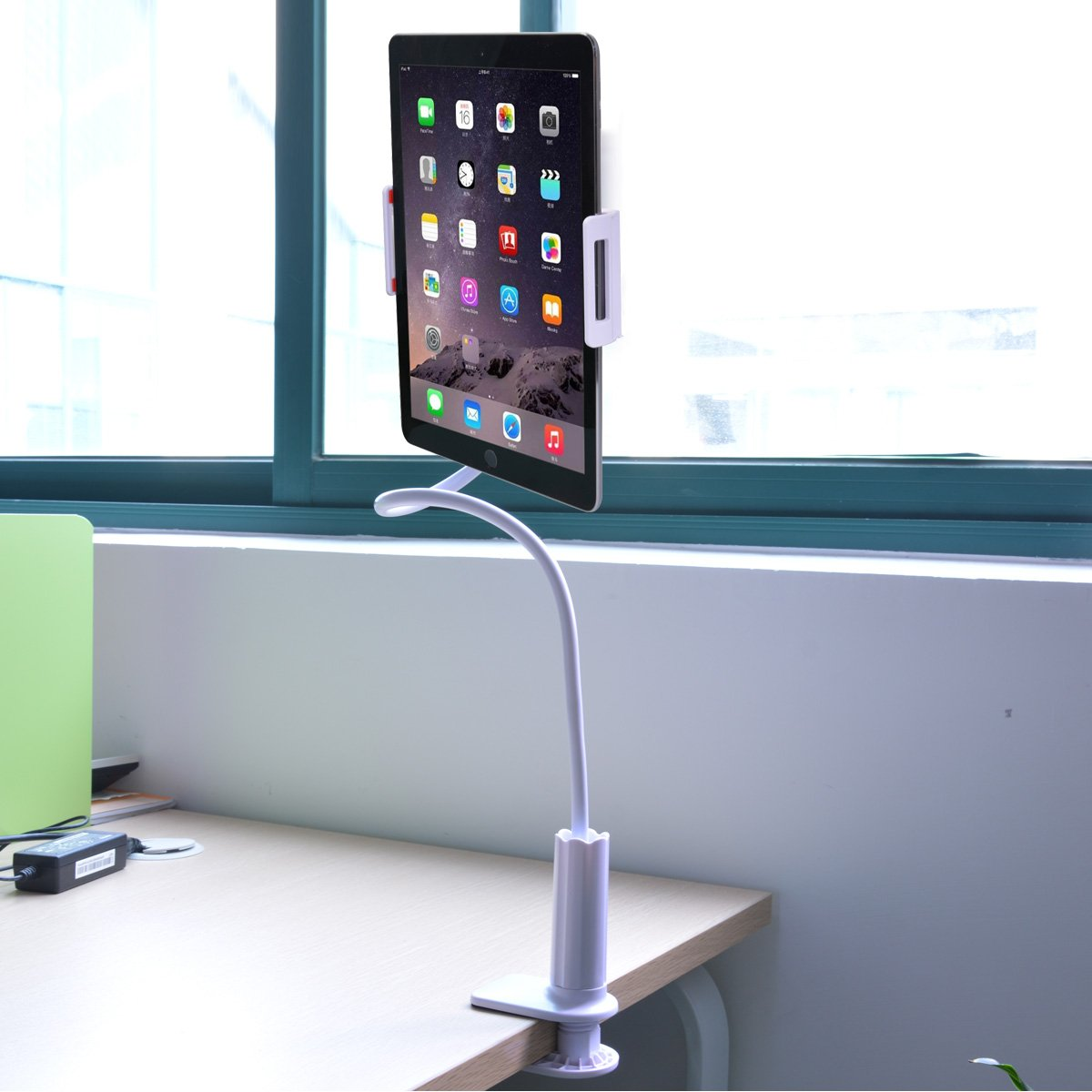Tablet Stand, Flexible Arm & Clip 360 Degree Rotating Desktop Holder Mount for Apple iPhone 6s/Plus, iPad Air/mini/Pro 9.7\