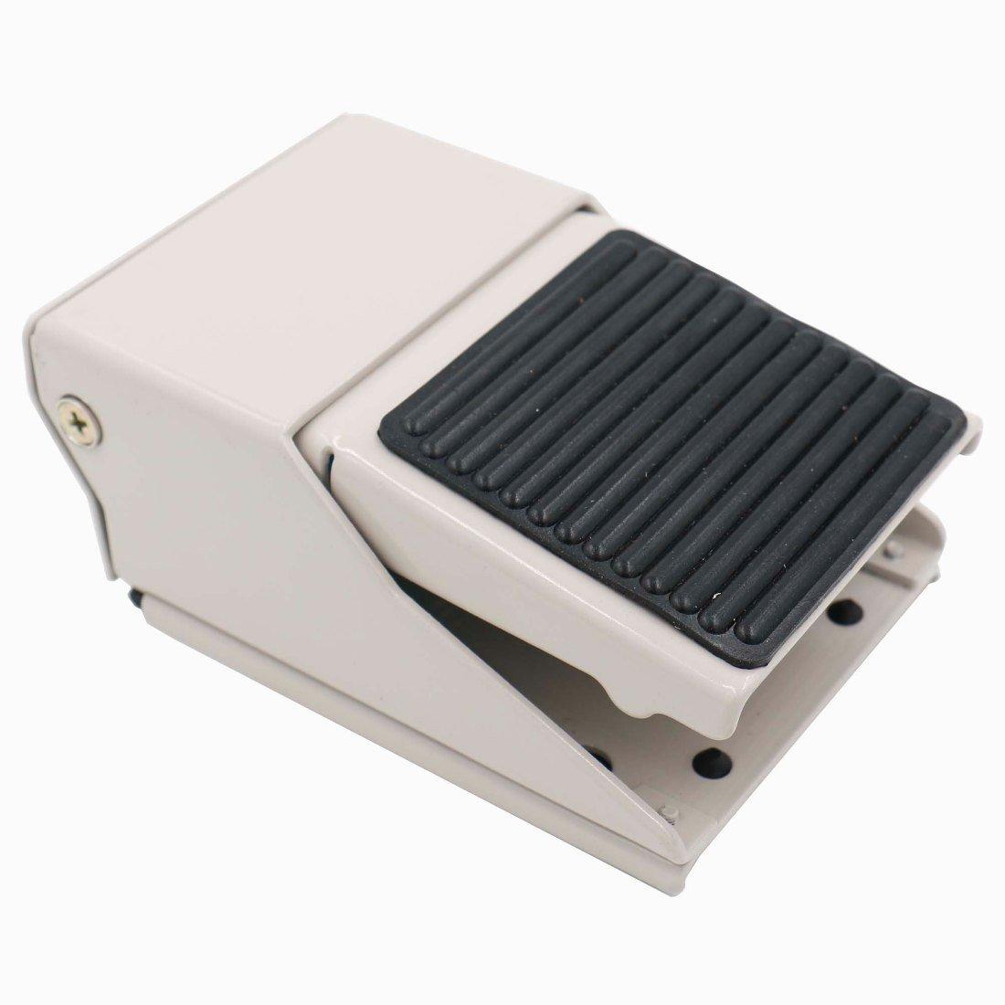 Baomain Pneumatic Foot Pedal Valve FV-420 Momentary 4 Way 2 Position 1/4''PT Threaded Nonslip Rubber