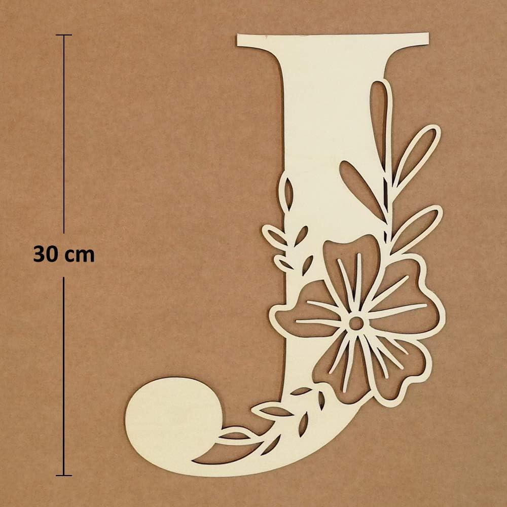 J Lettre initiale florale en bois