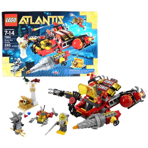 Lego Year 2011 Atlantis Series 8 Inch Long Vehicle Set #7984 - DEEP SEA RAIDER with Opening Cockpit, Grabber and Functioning Drill Plus Mini Sub, Flexible Falling Pillar, Lobster, Treasure Chest with Jewels, Body Armor, Diver and Hammerhead Guardian Minif