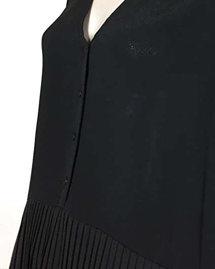 7d959a6ae06521 Zara Women Contrasting Pleated Blouse 2731/243 (XX-Large) Black at Amazon  Women's Clothing store: