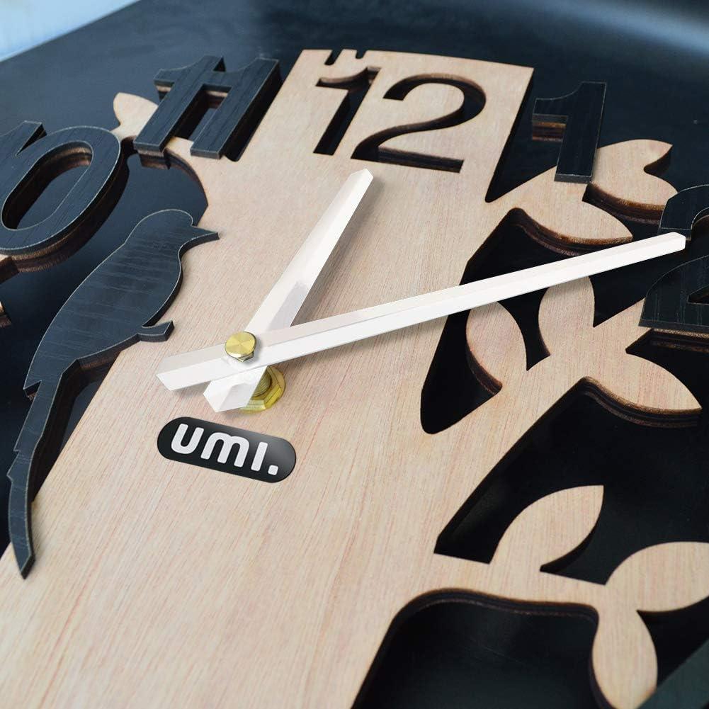 Essentials Rustikale Holzwanduhr ohne Tickger/äusche mit Vogel und Baum Motiv Durchmesser 30 cm ideal f/ür Wohnzimmer K/üche B/üro oder Schlafzimmer//Schwarze Ziffern UMI