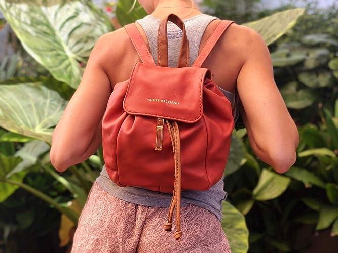 Mochila de cuero hecho a mano, Tamaño mediadno, Disponible en más colores