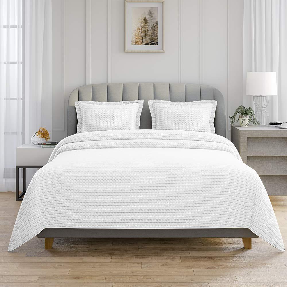 AXIA 3-Piece Reversible Super-Soft Bedding Quilt Set, Lightweight Microfiber Bedspread Coverlet Set with 2 Pillow Shams (Queen, White)