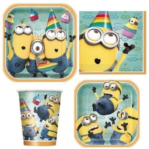 Dispicable Me 2 Party Supply Pack ~ Plates, Napkins, Cups and Tablecloth (Minon Cake)