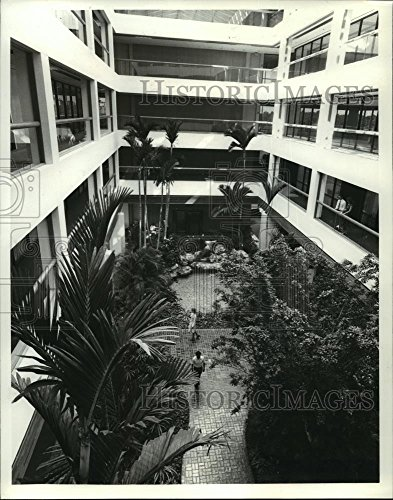 1977 Press Photo Disney World's first major office center at Lake Buena - Florida Vista World Lake Disney Buena