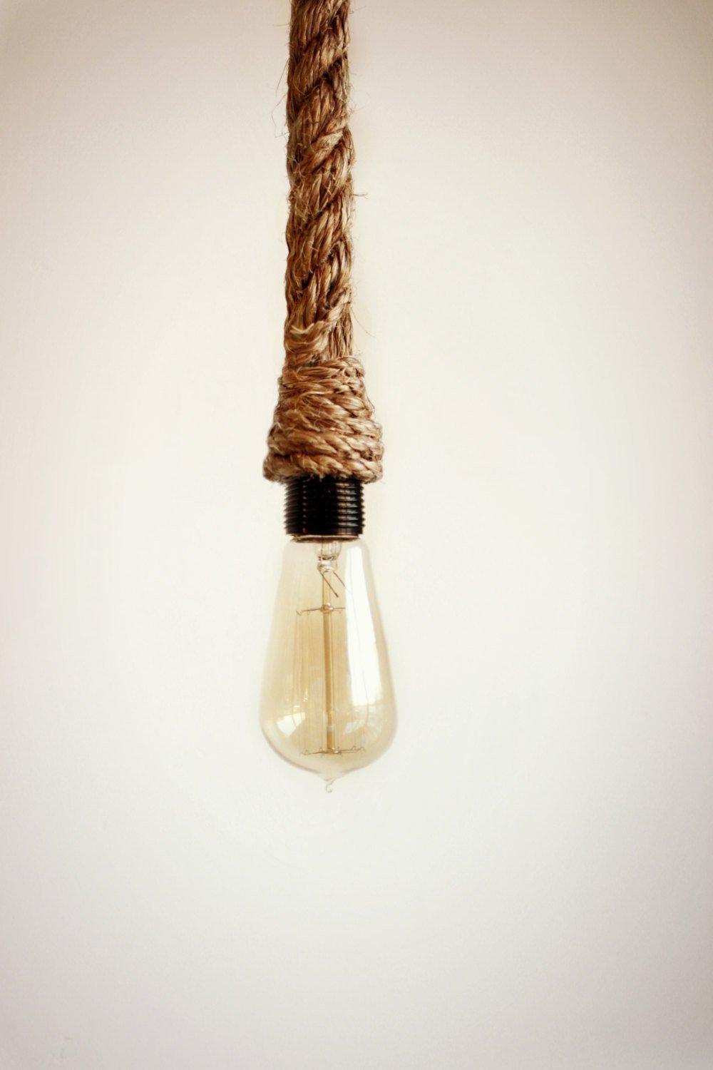 the latest 8c448 1c83d Rope Pendant Light hand wrapped in manila rope for pendent lighting,  nautical rope light - Kitchen island pendant light, jute twine rope, Rope  swag ...