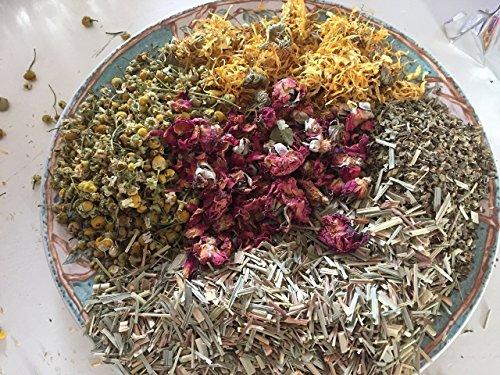 - Rosie Nest. Nesting Box Herbs for chicken coops.