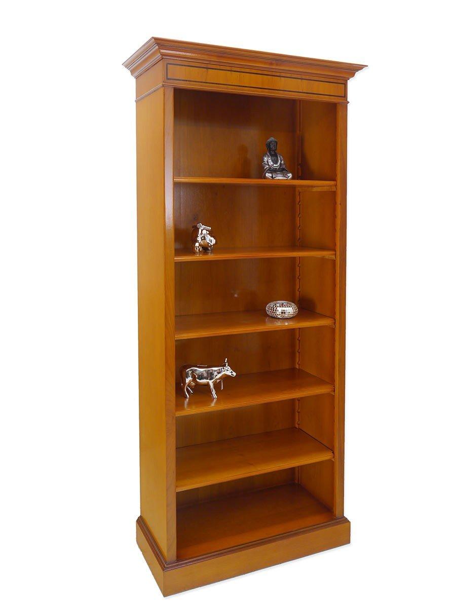 Stilvolles Bücherregal aus Eibe im englischen Stil
