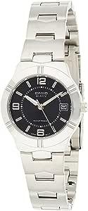 ساعة يد بمينا قياسية وسوار من الستانلس ستيل للنساء من كاسيو