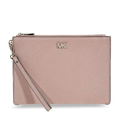 0aabd07ebb22 Michael Kors Medium Pebbled Leather Wristlet- Fawn  Handbags  Amazon.com