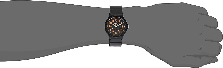 Casio Unisex MQ-71-4BCF Classic Luminous Hands Watch With Black Resin Band 81YtHOZ40vL