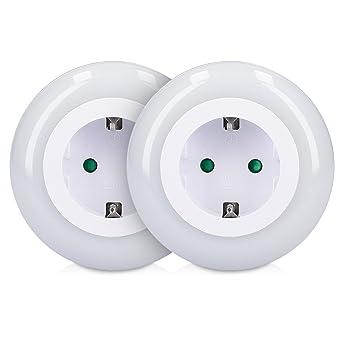 9612056fe8e7b kwmobile 2x Veilleuse LED automatique - Lampe de nuit murale avec prise  intermédiaire capteur crépusculaire 3