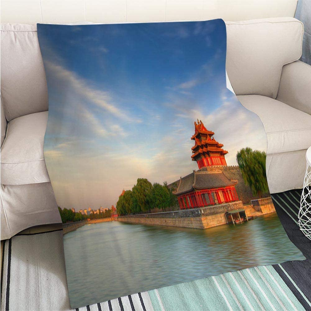 BEICICI Super Soft Flannel Thicken Blanket Northwest Wall of Forbidden City Beijing Chin Art Blanket as Bedspread Gold White Bed or Couch