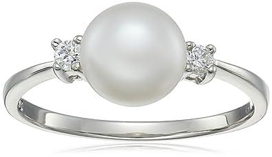 ec7490833707d Bella Pearl and Cubic Zirconia Solitaire Ring