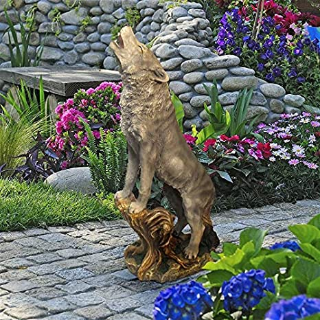 Amazon Com Design Toscano Howling Lone Wolf Garden Animal Statue 35 Inch Polyresin Full Color Statues Garden Outdoor