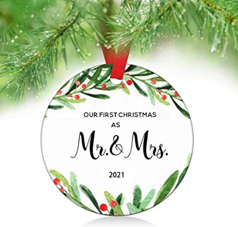 First Christmas Married Ornament 2021 Amazon Com Zunon First Christmas As Mr Mrs Ornaments 2021 Our First Christmas As Mr Mrs Couple Married Wedding Decoration 3 Ornament Mr Mrs Ornament 1 Kitchen Dining
