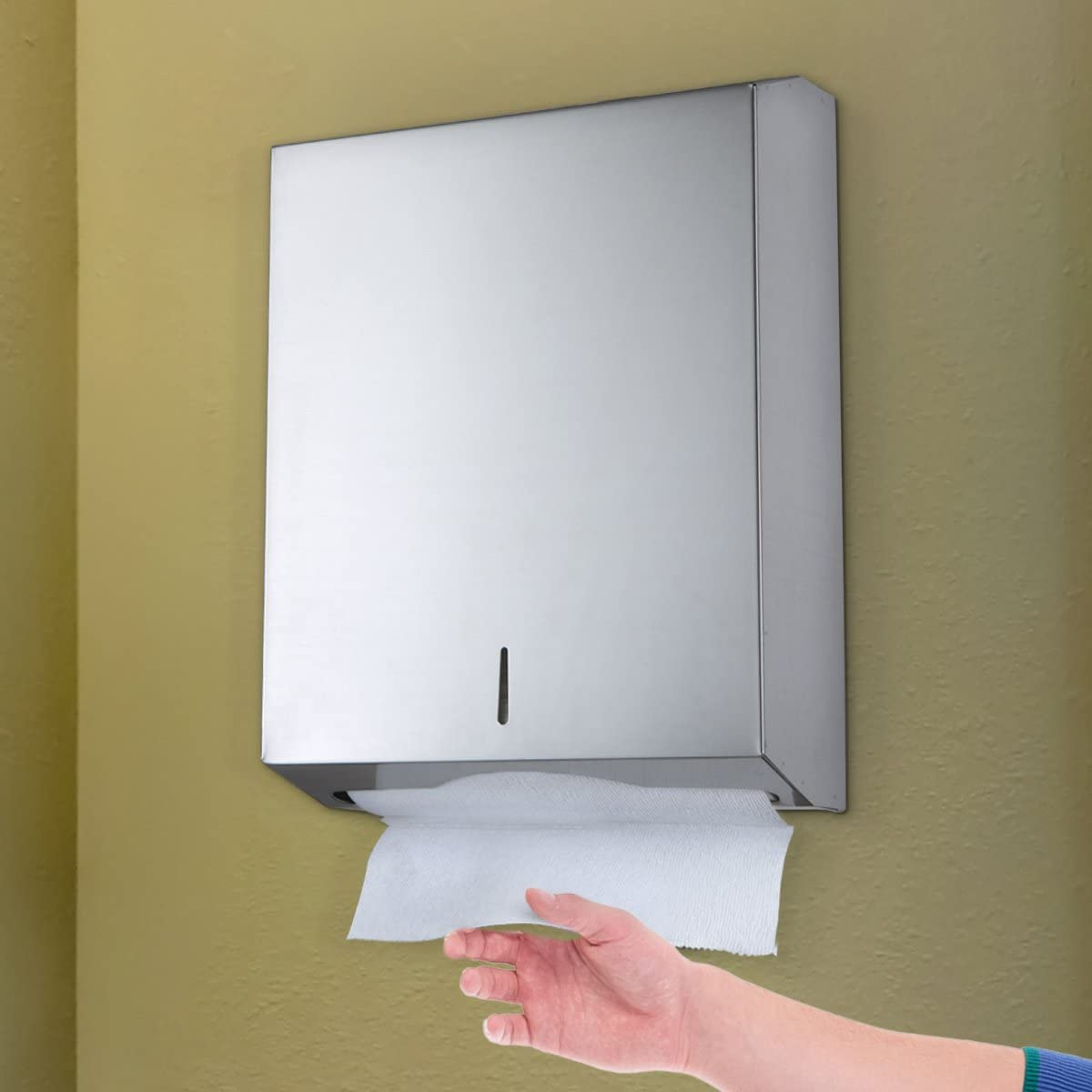 Brushed Stainless Steel Alpine industries C-Fold//Multifold Paper Towel Dispenser Holds Up To 400 C-Fold Or 525 Multifold Towels