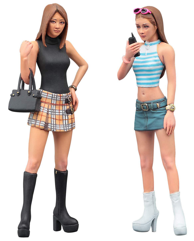 Multi Hasegawa HFC02 1:24 90s Platform Boots Girls Figure-Two Kits in One Box
