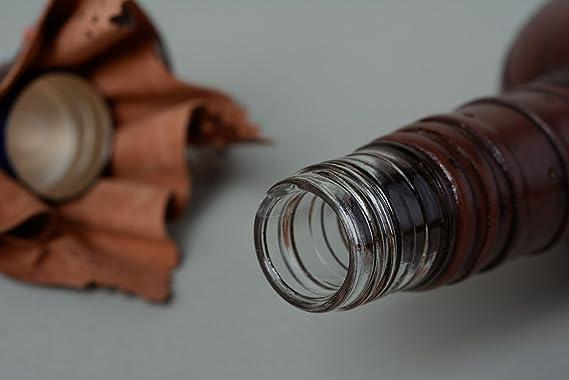Botella artesanal de vidrio decorada con cuero de color marron pequena 500 ml: Amazon.es: Hogar