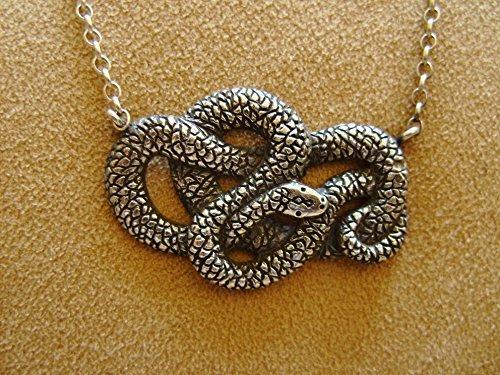 (Silver Snake Pendant)