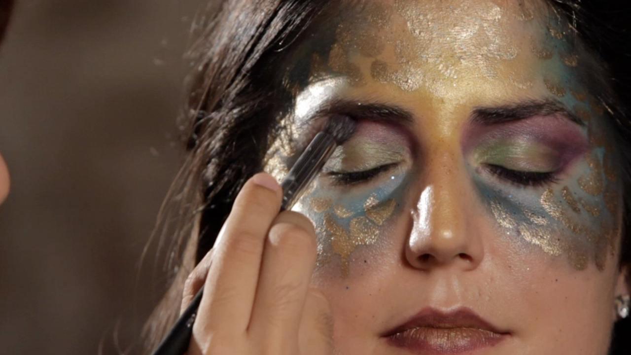 How To Do Mermaid Eye Makeup