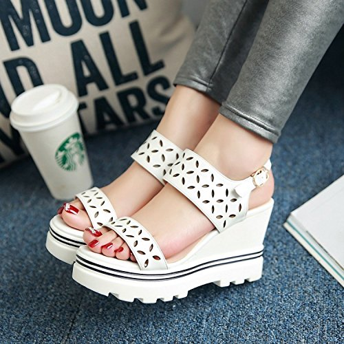 With Sandals KPHY Thick Hole Buckle High Summer White New And Hollow Slope Bottom Sandals Waterproofing Toes Heels Shoes zqwz8SBr