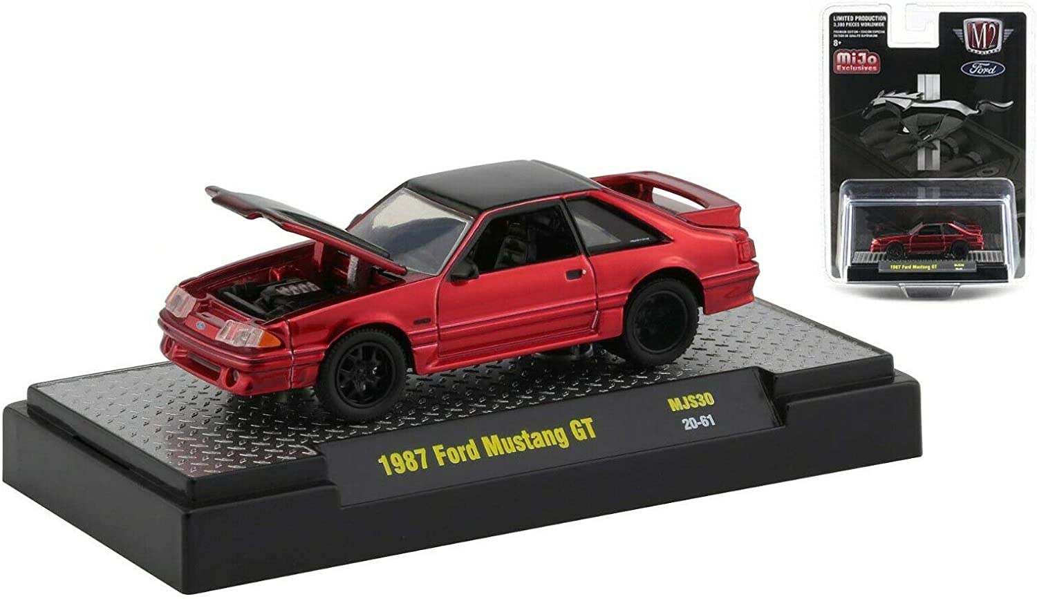 1988 Ford Mustang GT /& 87  Mustang GT w//display case 1//64 scale 2 M2 Machines