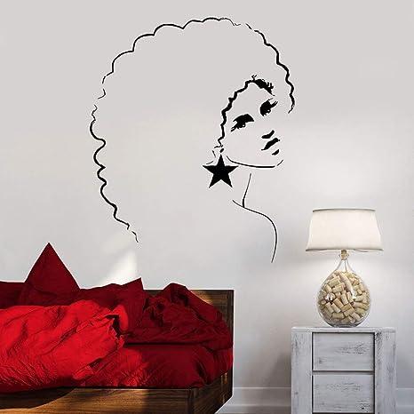 Chica de discoteca tatuajes de pared mujer peinado africano ...