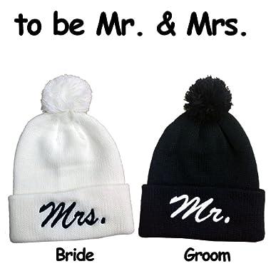 Mr. & MrsPom Pom Beanie Set Hats Souvenier Gift Unique Bride & Groom -Black White