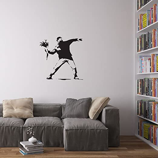 2 opinioni per Banksy Man Throwing Flowers Decal Vinile da Parete / Adesivi per la Casa