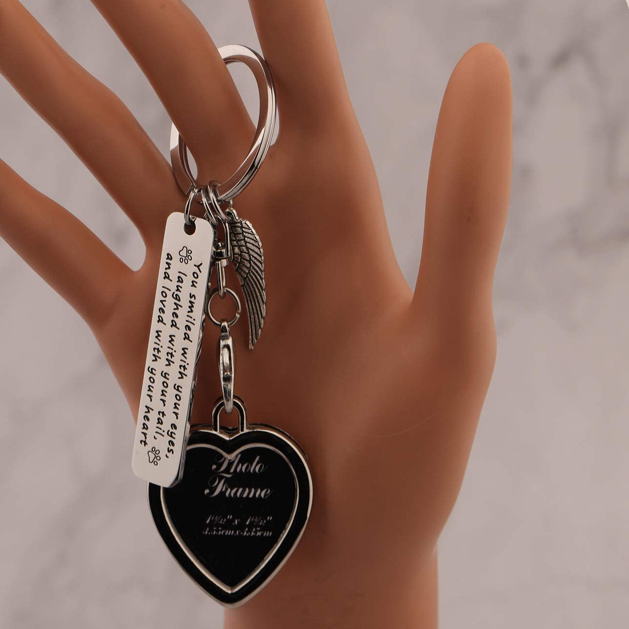 LQRI Pet Loss//Pet Memorial Gift Photo Frame Keychain You Smiled with Your Eyes Laughed with Your Tail Keyring with Angel Wings Loss of Pet Gift Dog Cat Memorial Jewelry