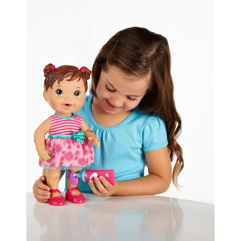 Amazon Com Baby Alive Baby Gets A Boo Boo Doll Brunette