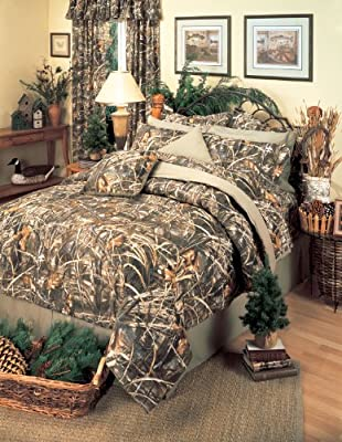 Realtree MAX-4 Camouflage 8 Pc Queen Comforter Set (Comforter, 1 Flat Sheet, 1 Fitted Sheet, 2 Pillow Cases, 2 Shams, 1 Bedskirt) SAVE BIG ON BUNDLING!
