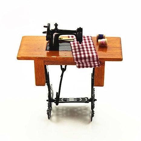 dexinghaoye DIY máquina de coser en miniatura con paño para la escala 1/12 Dollhouse