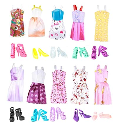 87ecffed79c8c Keysse Lot 25 Items = 15 Sets Fashion Casual Wear Party Dress for Girl Doll  Random Style and 10 Pair Shoes Fit for (11. 0