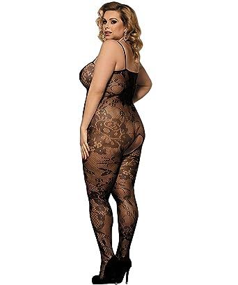 Upskirt no panties sitting down