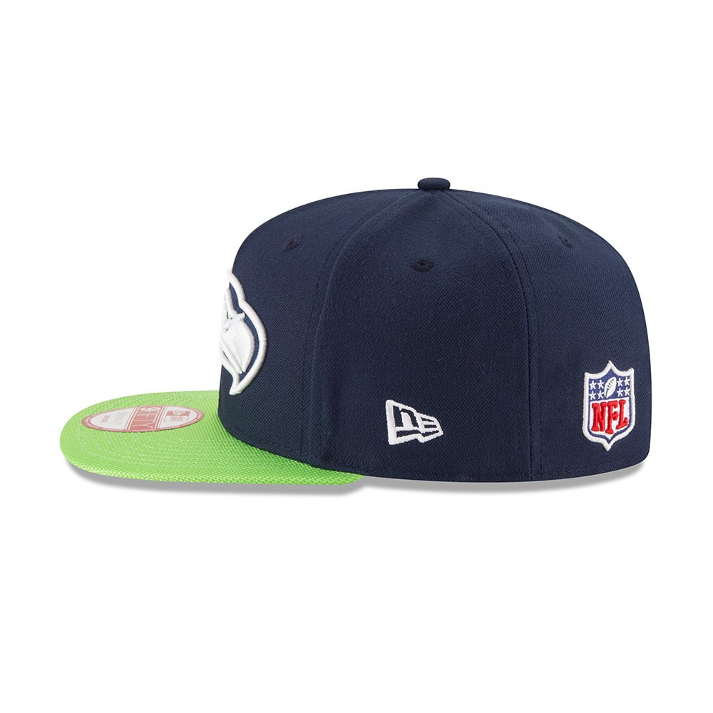 super popular 8d1e6 f97ec Amazon.com   New Era Seattle Seahawks Navy On-Field Sideline 9FIFTY  Snapback Adjustable Hat Cap   Sports   Outdoors