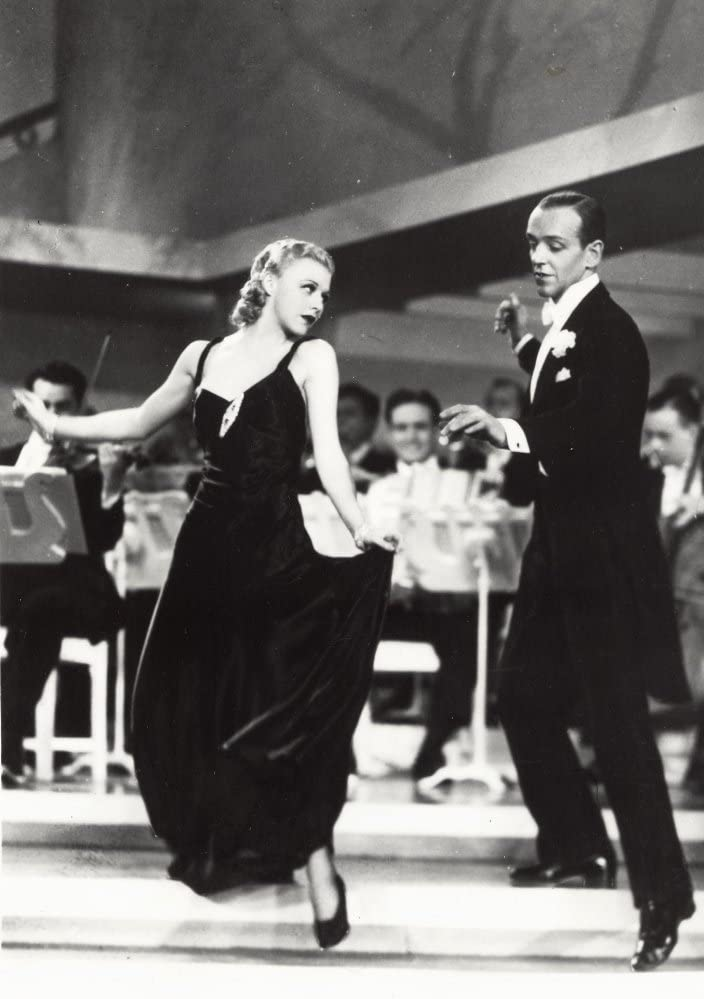 Amazon Com Fred Astaire And Ginger Rogers Dancing Photo Print 8 X 10 Posters Prints