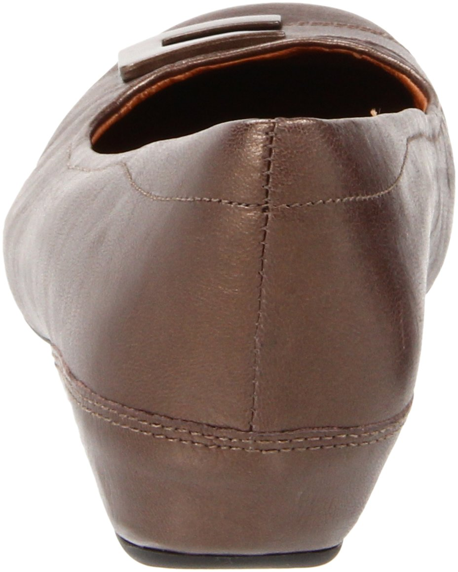 Clarks Women's Concert Choir Dress Shoes,Brown Metallic Leather,5 M US by CLARKS (Image #2)