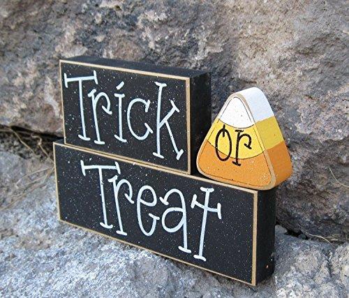 (HALLOWEEN TRICK or TREAT Blocks for Halloween, home, desk, shelf, mantle, holiday, october, jackolantern, pumpkin,)