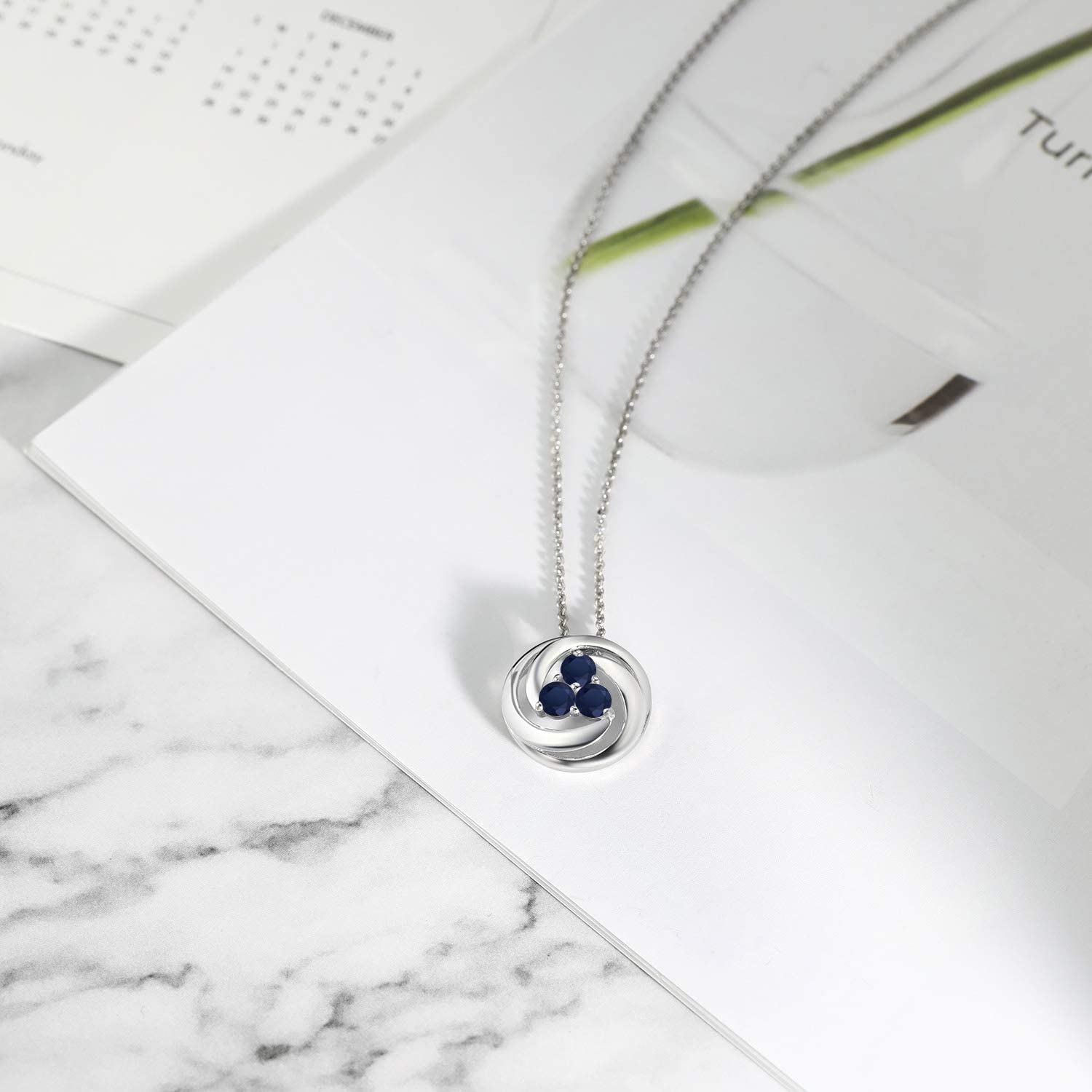 Gem Stone King 1.05 Ct Round Blue Sapphire 925 Sterling Silver Circle Round Pendant With Chain