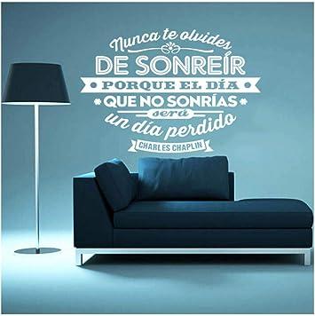 España Charles Chaplin cita pegatinas de pared de vinilo arte mural póster sala de estar y dormitorio decoración del hogar decoración de la casa 55x70 cm: Amazon.es: Bricolaje y herramientas