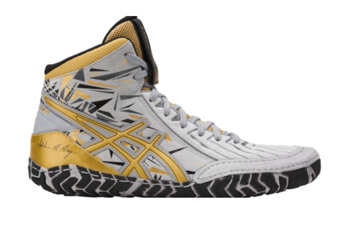 ASICS AGGRESSOR 3 L.E. A.G Wrestling Shoes LILAC GREY/RICH GOLD/BLACK - SIZE 7.5