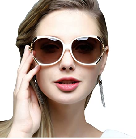 8162bbb42eb DFB Sunglasses Female Trendy Fashion Round Face Elegant Big Frame Hollow  Diamond Driving Polarizing Sunglasses
