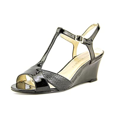 6a2bacde29e5fb Karen Scott Women s Sabinaa Wedge Sandals (6 B(M) US