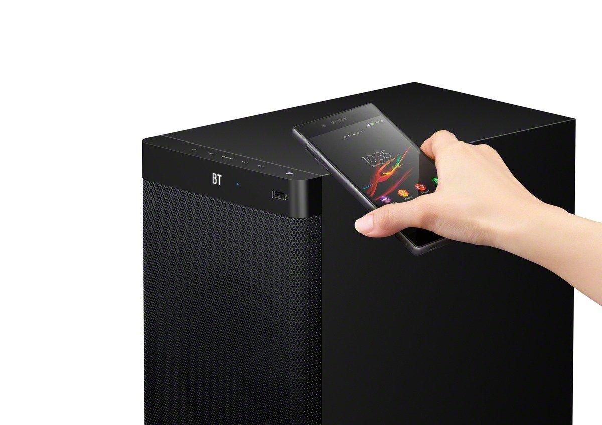 Collegamento di uno Smartphone tramite NFC (Sony -HT-RT3)
