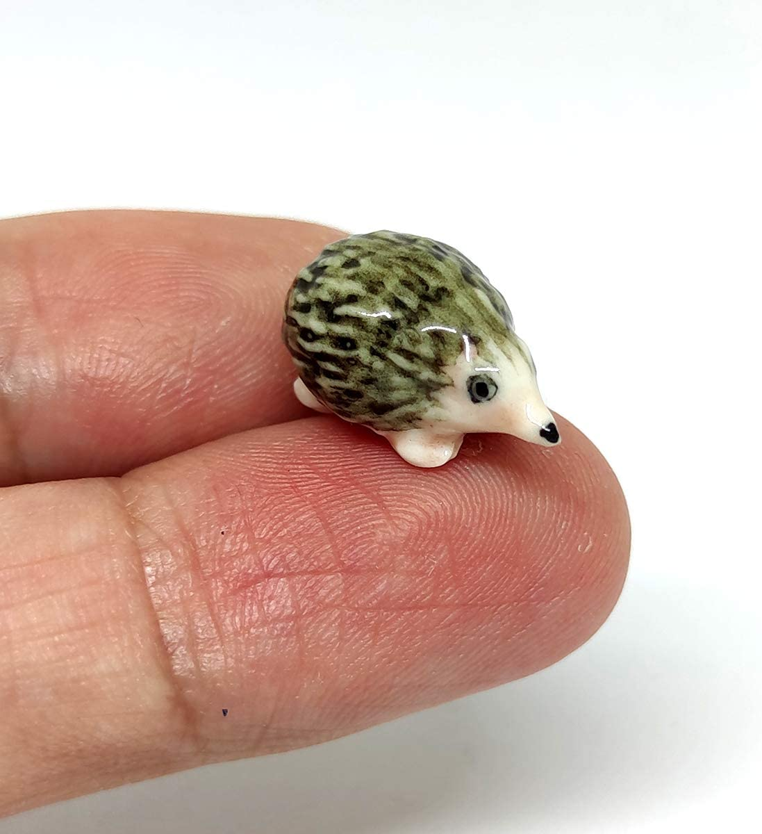 SSJSHOP Baby Hedgehog Micro Tiny Figurines Ceramic Hand Painted Animals Collectible Small Gift Home Decor
